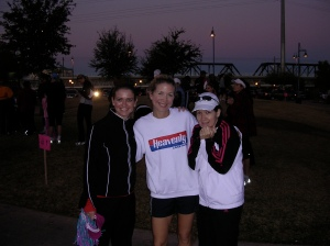 Lynn, Melissa, and Michele at the start line. It was chilly.